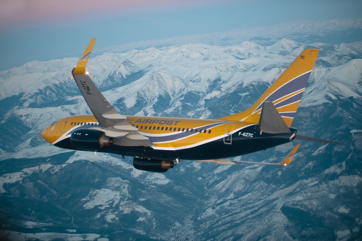 facts about the boeing and the Boeing 727 - movies, reference, facts, pictures & videos of aircraft, airlines, airplanes & flight.