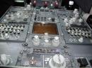 737 cockpit center console photo